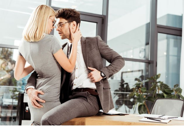 21 Undeniable Signs a Male Coworker Likes You